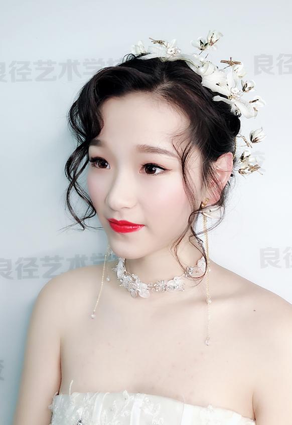 韩式减龄新娘妆