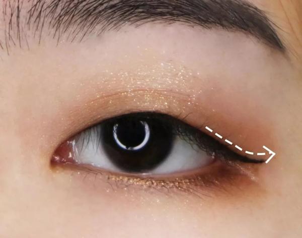 单眼皮,内双怎么画眼线?3款眼线画法,新手一看就会!