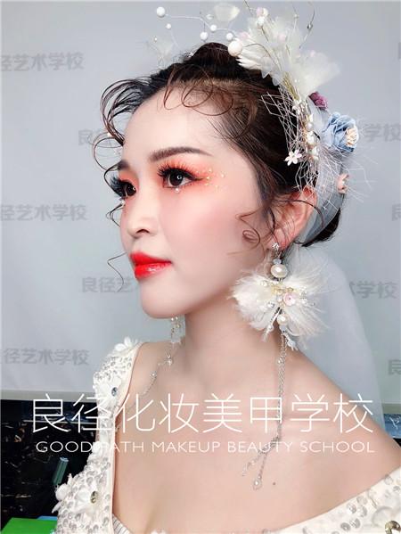 北京良径化妆造型学校 新娘妆作品1