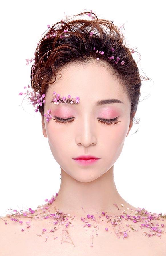 新娘鲜花妆造型