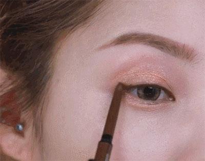 眼影画法步骤六