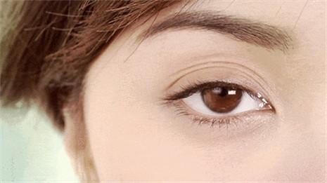 外眼线位置