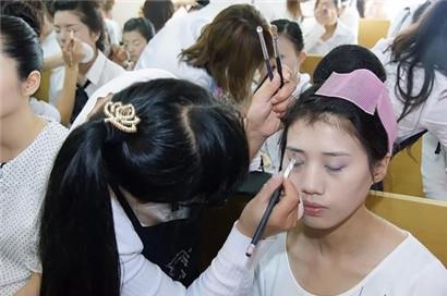 北京良径化妆培训 化妆学员