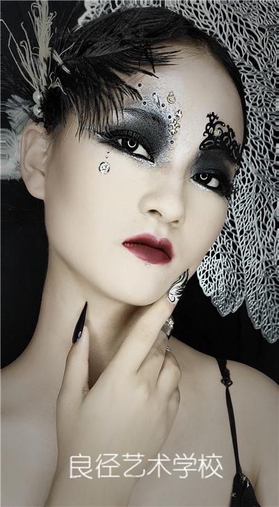 北京良径化妆培训学校 创意彩妆作品3