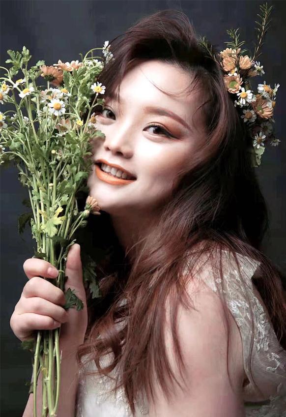 梦幻森系少女鲜花造型