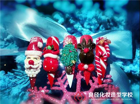 北京哪里有学化妆美甲的学校,哪个美甲化妆学校口碑好?