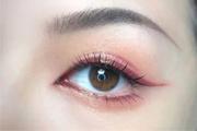 初学者怎么化简单的眼影?