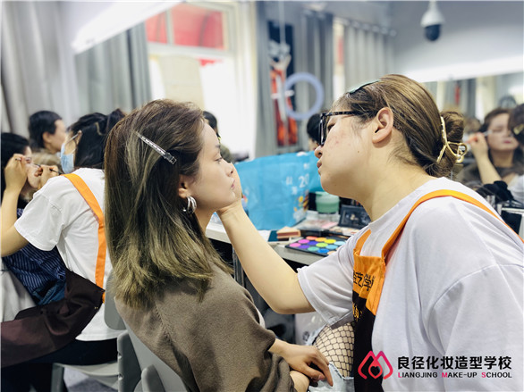 2021北京通州区美容化妆学校哪家好?